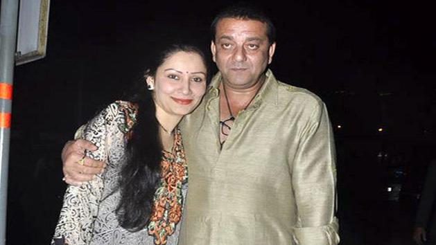 Sanjay Dutt And Manyata Exchange LOVE LETTERS Everyday