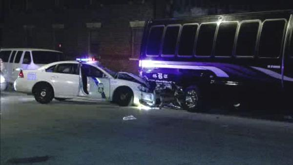 2 Phila. officers injured in Parkside crash