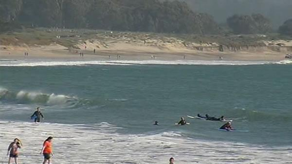 Crews search for missing man at Roosevelt Beach