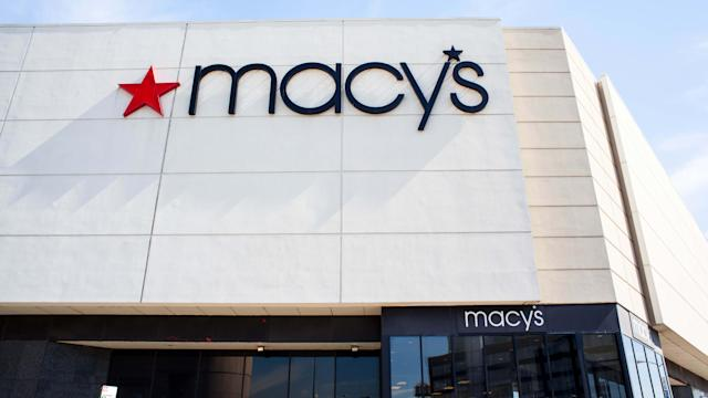 Macys Christmas Sales 2021 Macy S Holiday Sales Top Estimates Expects Upbeat 2021 Sales