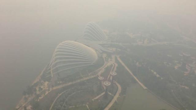Singaporeans call for action on haze from Indonesia