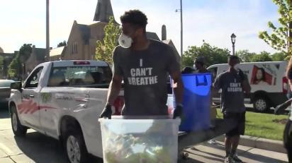 Antetokounmpo, Bucks players join Milwaukee protest