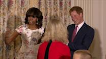 Harry toma chá com Michelle Obama