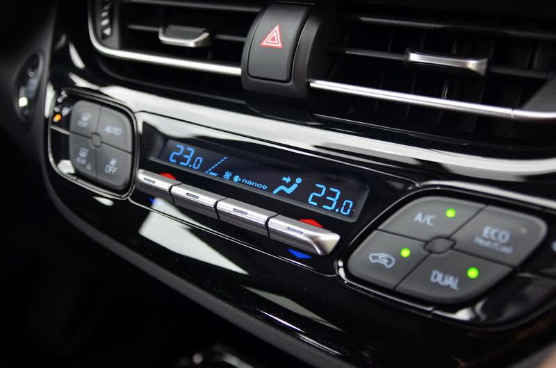 ▲豪華版等級以上車型還在雙區恆溫空調中加入了nanoe負離子空氣清淨功能