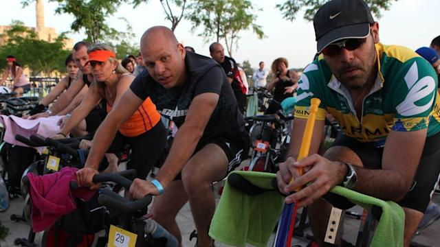 Dave Barry: Men, Stop With the Spin Classes!