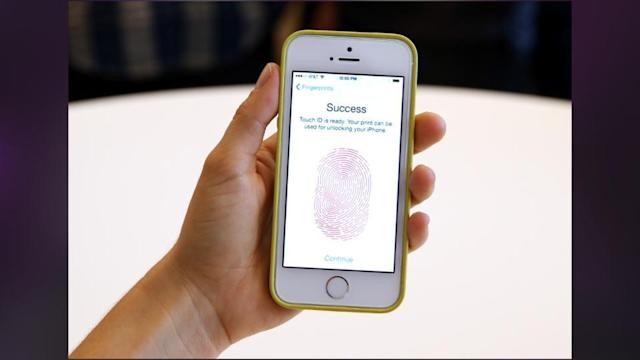 Your Nosy Boy/Girlfriend Can Unlock Your IPhone 5s With Your Thumb While You Sleep