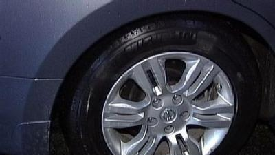 Monster Pothole Damages Over 12 Cars In One Night