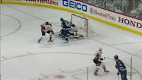 Frolik ties the game at 2-2 on a deflection