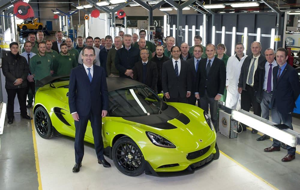 適用於一般道路、與賽道行駛的Elise車系衍生車型─Elise S Cup,是Jean-Marc Gales上任後第一款推出的全新車型。