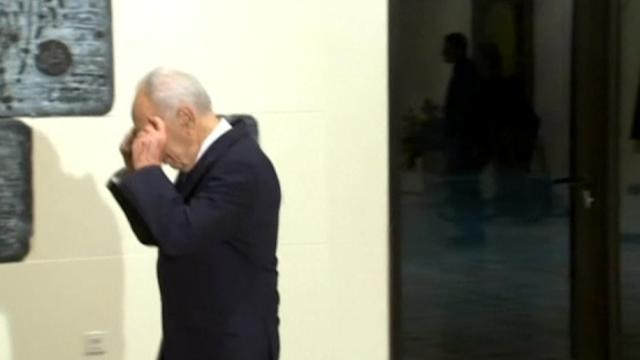"""Peres praises late Sharon as """"exceptional commander"""" who loved Israel"""