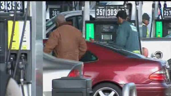 Long lines to buy gas around New York area