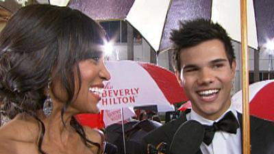 Rain Can't Dampen Taylor Lautner's First Globes Experience!