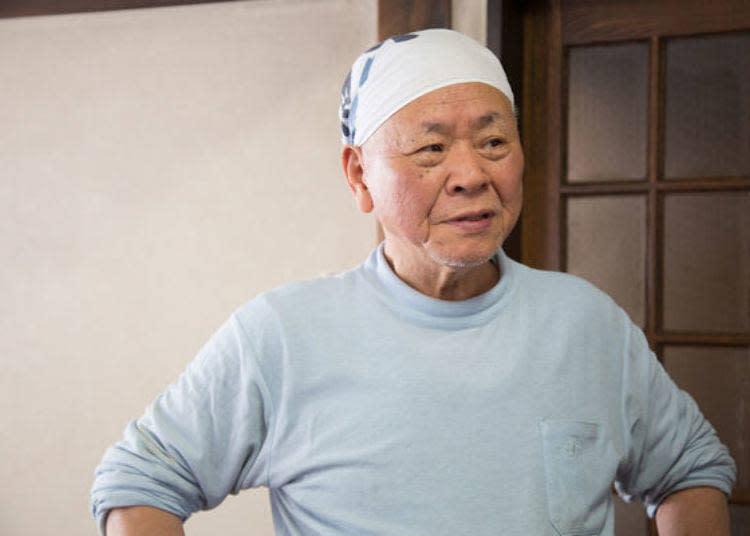 創業者渡邊鐵男先生。談論著自己一路以來對於烏龍麵做法的堅持。
