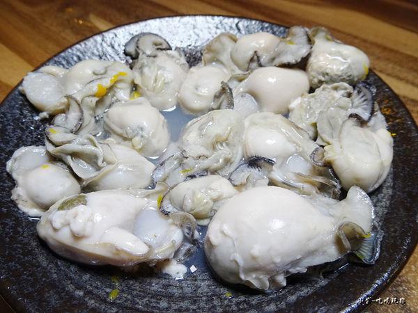 極蜆鍋物-鮮蚵 (1).jpg
