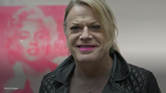 Eddie Izzard Praised After Going Public With She And Her Pronouns