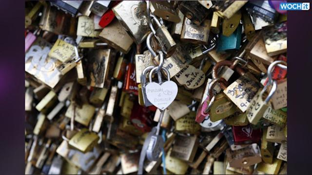 Should Tourists In Paris Be Allowed To Leave Love Locks On Bridges?