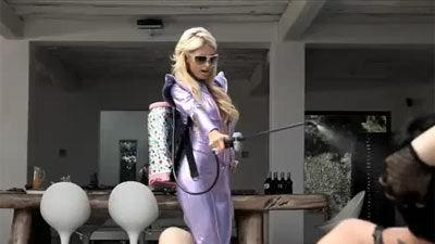 Paris Hilton, can dance