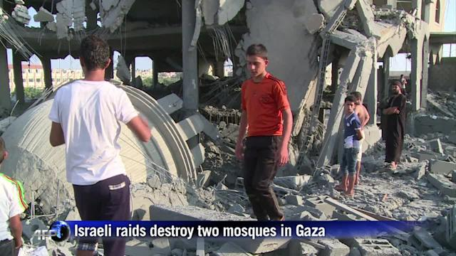 Israeli raids destroy two mosques in Gaza