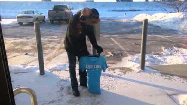 T-Shirt Freezes in Extreme Cold