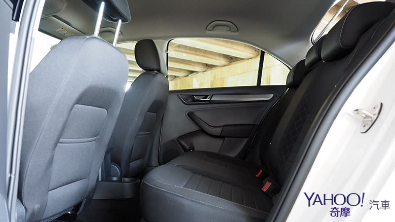 這款房車「狠」實在!2018 Skoda Rapid 1.4TSI Liftback新竹試駕