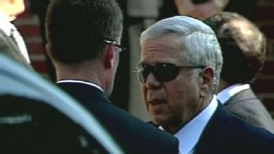 Robert Kraft Arrives At Temple