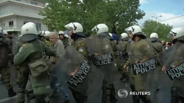 Anger over Greek tv station raid