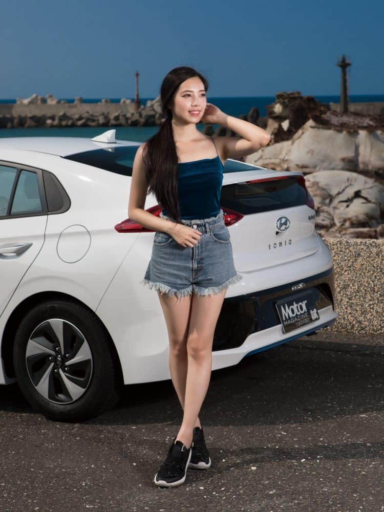 【Motor Babe】湛藍韓風來襲 Hyundai Ioniq Hybrid