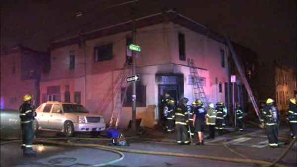 1 injured in fast-moving house fire in Grays Ferry
