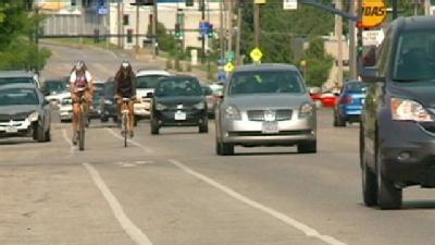 Council Moves Ahead With Hubbell Avenue Bike Lane Proposal