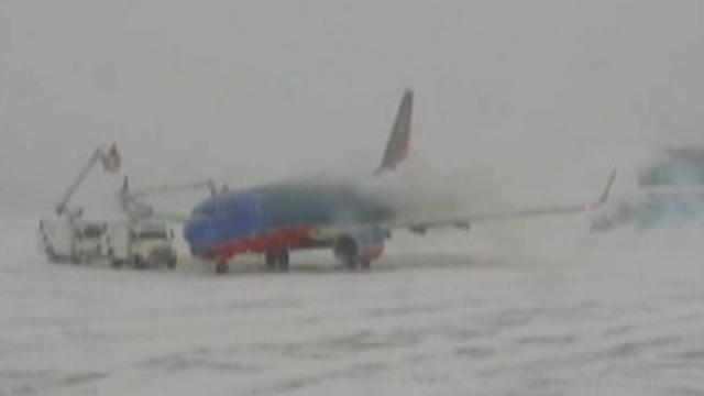 Snow Storm Travel Delays: Flights Canceled