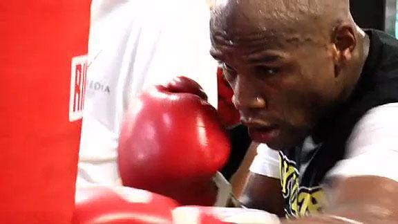 Mayweather's unusual 2 a.m. training