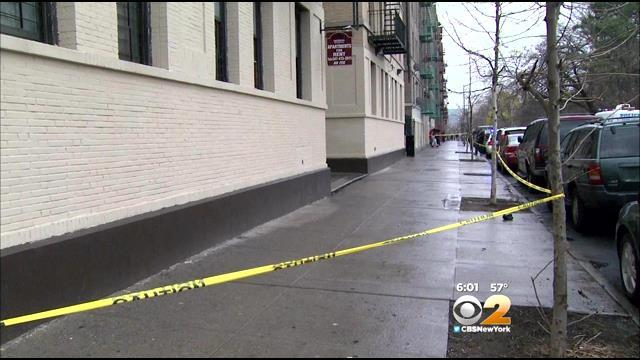 Police: Woman, 19, Stabbed Outside Bronx Apartment Building