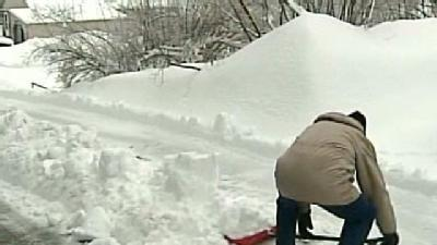 Northern Residents Dig Out From Heavy, Wet Snow