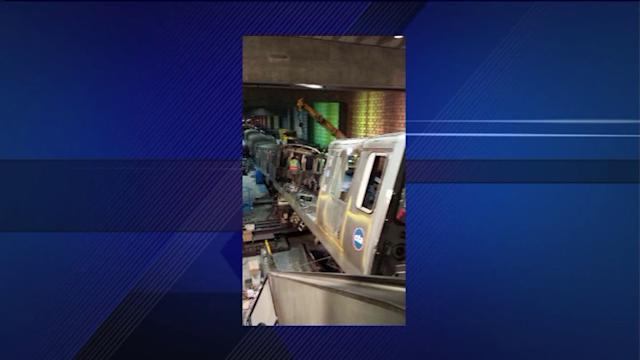 Derailed Blue Line train removed from O`Hare stop