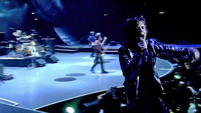 Rolling Stones kick off tour at Staples