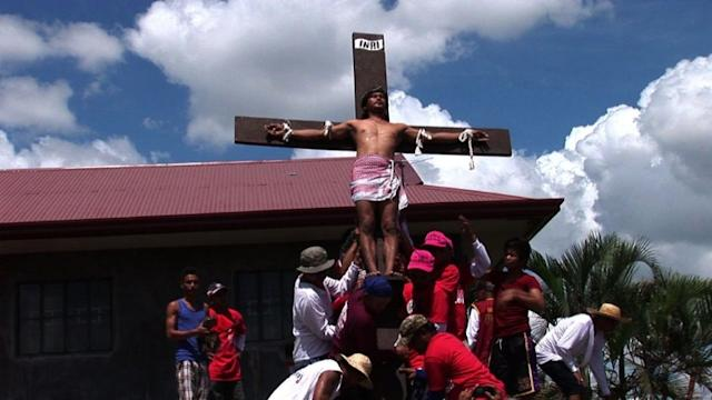 Philippines marks Easter with bloody mock crucifixions