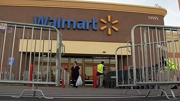 Stores face backlash to early Black Friday opening