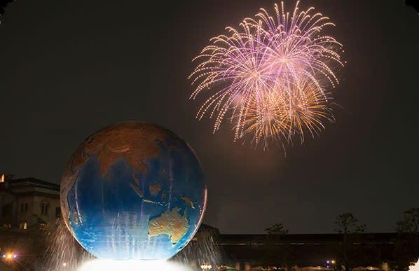 配合35週年慶的活動,東京迪士尼陸地與海洋兩園區皆會有全新的表演演出(圖/東京迪士尼)