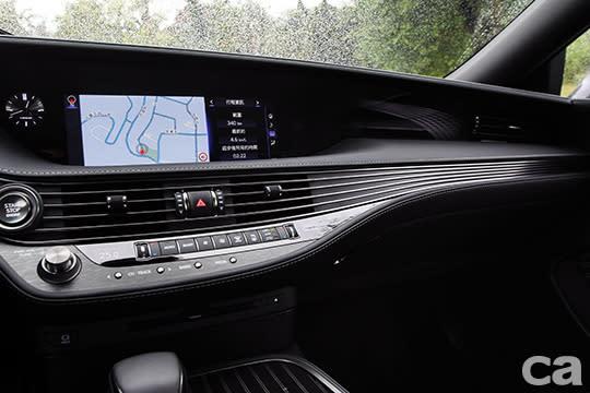 在LS350身上,Lexus該有的高質感並未因為是入門規格而有絲毫馬虎。