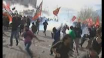 Violence in Argentina as thousands riot over energy deal