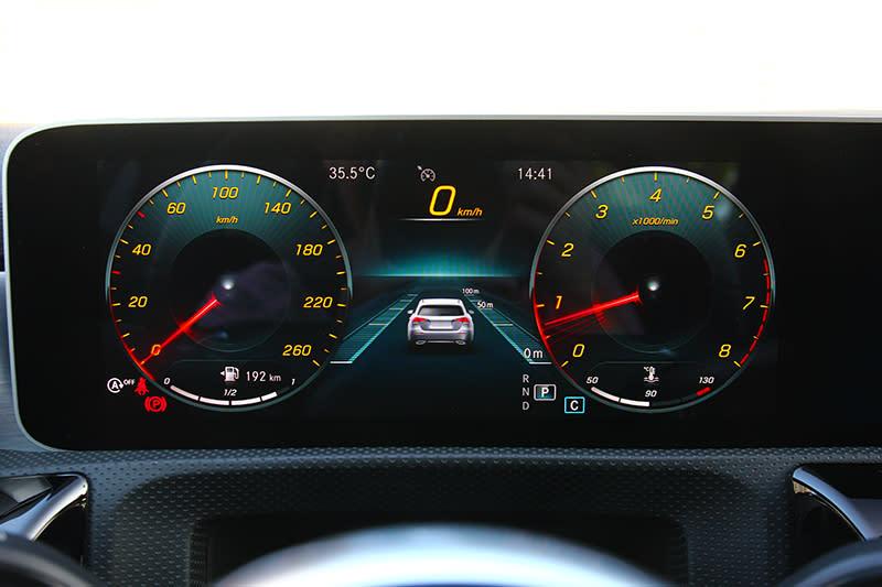 10.25吋儀表不論顯示資訊豐富度與視覺都令人滿意。
