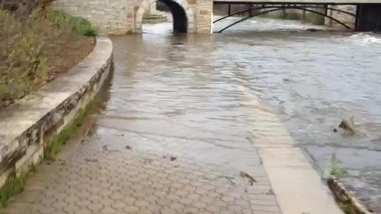 Waukesha watches river waters rise
