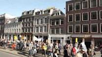 Thousands March in Amsterdam to Oppose TTIP Negotiations