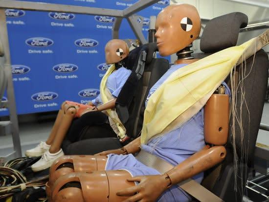 photo 0:   後座乘客更安全,FORD將為Fusion導入後座安全帶氣囊0