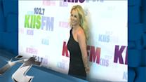 Celeb News Pop: Britney Spears Gets Ready For 'Ooh La La'