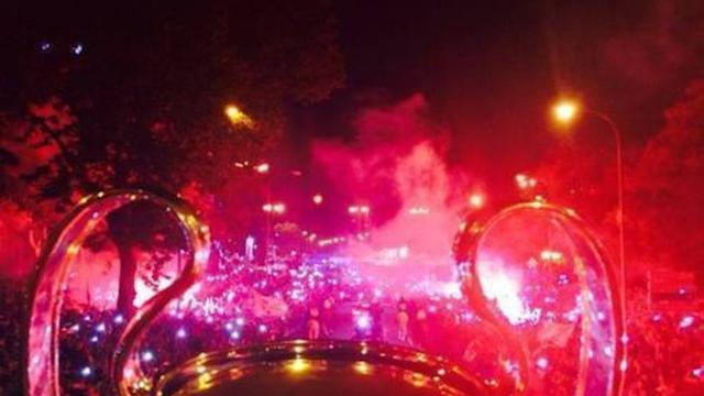 Bale Takes Video From Open-Top Bus During Celebrations in Madrid