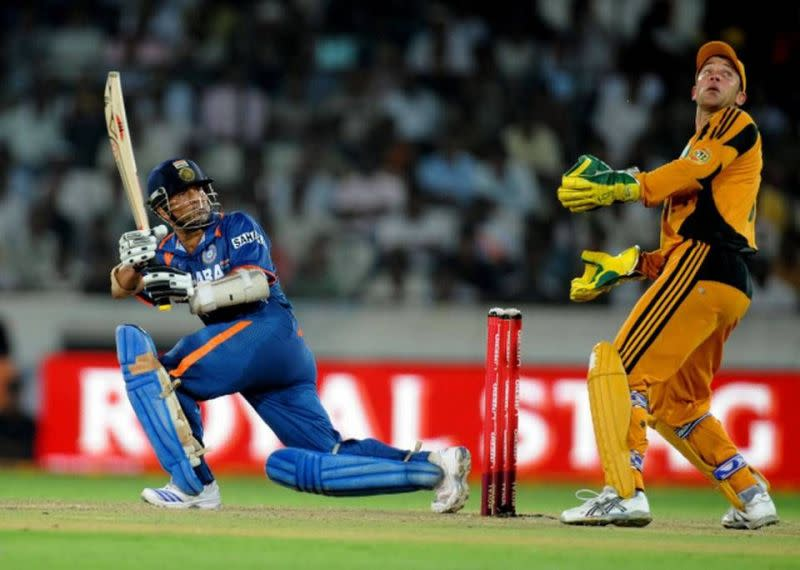 Sachin Tendulkar spell bounded Hyderabad crowd with a masterpiece