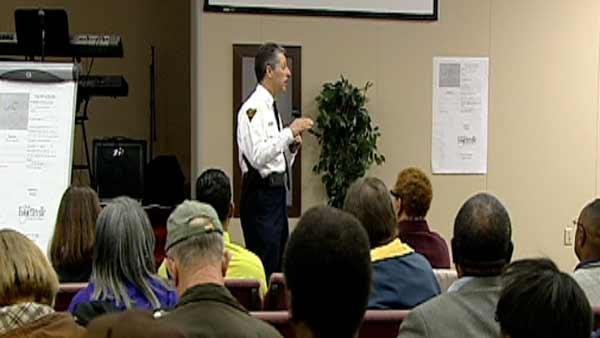 Fayetteville police chief meets with public