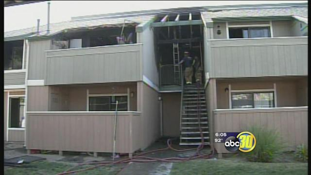 Fresno apartment fire displaces several families