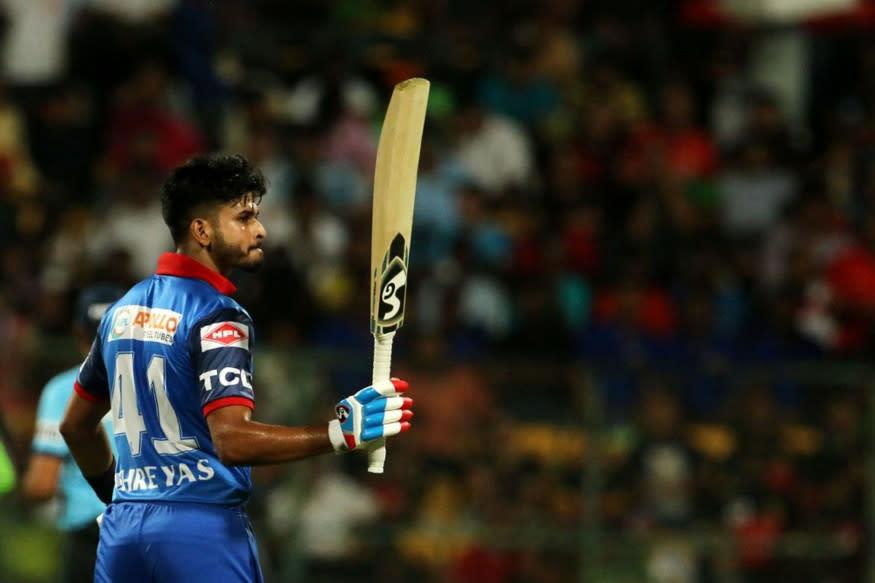 Shreyas Iyer raises his bat after completing half-century (Image: IPL)